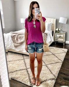 Flat Lays Come to Life Beach Outfits, Magenta ruffle top & cut offs Cute Beach Outfits, Cool Outfits, Summer Outfits, Summer Dresses, Summer Ootd, Sun Dresses, Casual Summer, Casual Outfits, Beach Attire
