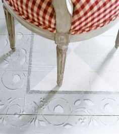 Painted floors  xo--FleaingFrance