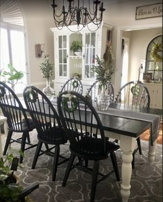 Painting Kitchen Chairs, Painted Dining Room Table, Black Dining Room Furniture, Dining Room Bench Seating, White Dining Table, Painted Furniture, Painted Chairs, Painted Wood, Dining Tables