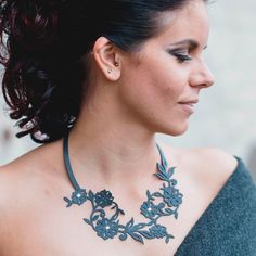 Flowery+with+Swarovski+crystal+Necklace+Black
