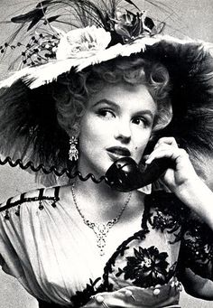 Collection of Divas : Marilyn Monroe! Marilyn Monroe, Divas, Brigitte Bardot, Pin Up, Victorian Flowers, Actrices Hollywood, Marlene Dietrich, Norma Jeane, Classic Beauty