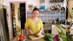Poh & Co. 2015 Tv In Kitchen, Kitchen Photos, Interior Design Photos, Interior Design Kitchen, Cheap Tiles, Easy Backsplash, Corner Cafe, Masterchef Australia, Stonewall Kitchen