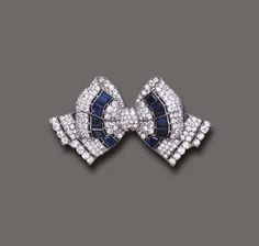 What Is The Difference Between Edwardian and Art Deco Jewelry Bijoux Art Deco, Art Deco Jewelry, Fine Jewelry, Jewelry Design, Diamond Bows, Diamond Brooch, Sapphire Diamond, Art Nouveau, Antique Jewelry