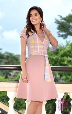Moda Evangelica - VESTIDO GODÊ SOL DA TERRA 11137 Cute Dresses, Beautiful Dresses, Casual Dresses, Dresses For Work, Sunmer Dresses, Girls Fashion Clothes, Clothes For Women, Myanmar Dress Design, Chic Outfits