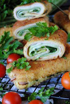 Krokiety z cukinią Polish Recipes, Meat Recipes, Healthy Recipes, Salmon Burgers, Finger Foods, Crackers, Sandwiches, Yummy Food, Yummy Yummy