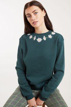 Louche Jan Daisy Chain Embroidered Sweatshirt - Joy the Store Crisp White Shirt, White Shirts, Daisy Chain, Joy The Store, Checked Trousers, Cute Crop Tops, Embroidered Sweatshirts, Online Collections, London