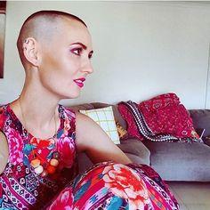 "Gefällt 136 Mal, 1 Kommentare - Shave IL From Israel 💇🏻 DM Me (@shave.il) auf Instagram: ""Bye Bye Locks 💗Thanks @catdean_artist  #baldandbadchallenge #haircut #shavedhead #shorthair…"""