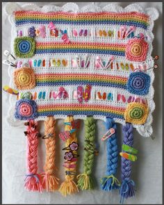 5 Hair Accessory Organizer Crochet Patterns - Organize barrettes, clips, ponytails. $6.49, via Etsy.