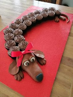 Pull Apart Cupcake Cake, Pull Apart Cake, Dog Cupcakes, Cupcake Cakes, 3d Cakes, Flower Cupcake Cake, Horse Cupcake, Fancy Cakes, Cute Cakes