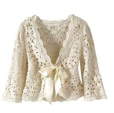 lovely crocheted jacket pattern<<I'm not sure if it's free, but it's totally beautiful and its a great idea for a future crochet jacket. Crochet Bolero, Cardigan Au Crochet, Beau Crochet, Pull Crochet, Gilet Crochet, Mode Crochet, Crochet Coat, Crochet Jacket, Irish Crochet