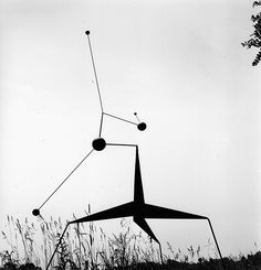 Newly Published Photos Reveal Alexander Calder's Dynamic Style