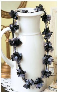 Craftdrawer Crafts: Ribbon Flower Necklace to Crochet