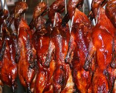 Chinese roast duck & pastrami are my kryptonite. Chinese Roast Duck, Peking Duck, Vietnamese Cuisine, Duck Recipes, Food Stall, Frozen Peas, The Fresh, Places To Eat, Street Food
