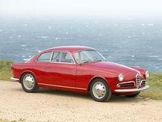 1957 Alfa Romeo Giulietta Sprint Veloce Allegerita | I4, 1,290 cm³ | 116 bhp | Design: Franco Scaglione, Bertone