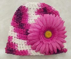 Crocheted hat with removable flower using Peaches and Cream