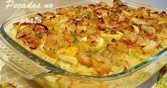 Bacalhau no forno com cebolada, uma receita muito simples e saborosa. Um prato muito prático para ser usado no dia a dia.