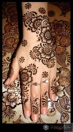 22. #Mehendi Designs - 35 #Incredible Henna Tattoo #Design Inspirations ... → #Beauty #Henna