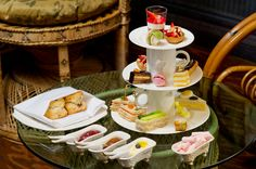 Glade Afternoon Tea  [Das The Glade befindet sich im sketch 9 conduit street London W1S 2XG  online reservations for up to 6 people, for larger groups or for any other enquiries please call our Reservations Team on 0207 659 4500]