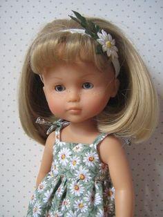 tuto robe à bretelles Sewing Doll Clothes, Sewing Dolls, Girl Dolls, Baby Dolls, Tree Change Dolls, Nancy Doll, Diy Doll, Doll Accessories, Doll Patterns