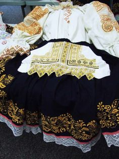 Czech Heritage Club - Czech Customs Bohemia People, Folk Costume, Costumes, Boho Shorts, Lace Shorts, Ethnic, Club, Embroidery, Ideas