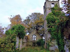 "The Old Parish Church, part of which dates back to the late century. Abandoned An ""A listed"" building, but now a sadly overgrown deteriorating ruin. Listed Building, 12th Century, Abandoned, Scotland, Places To Visit, Old Things, Tower, History, House Styles"