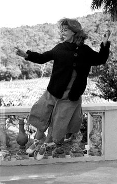 Jeanne Moreau, 1962, during the filming of Jules et Jim, 1962, photo by Raymond Cauchetier