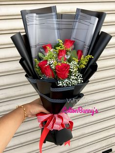Please do not hesitate to whatsapp me if you require further information Surprise Delivery Penang Kedah Kl Whatsapp No : Flower Boquet, Bouquet Wrap, Gift Bouquet, Hand Tied Bouquet, Creative Flower Arrangements, Floral Arrangements, Makeup Bouquet, Chocolate Flowers Bouquet, How To Wrap Flowers