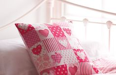 sewing hearts | Sewing Ideas | Hearts Patchwork Cushion Project