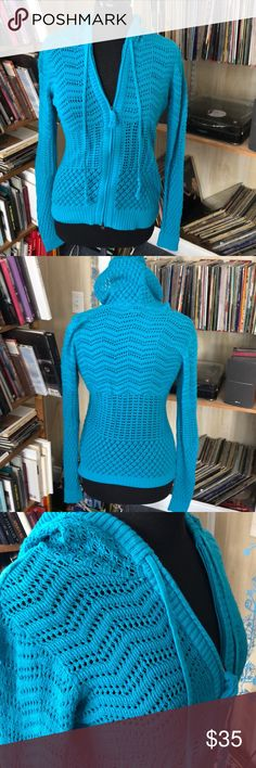 Athleta lightweight turquoise cardigan M NWOT The bust is 38 inches. The length is 24 inches. New without tags. Athleta Sweaters Cardigans