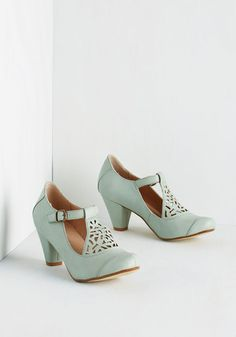 Picture of Poetic Heel in Sage From the Plus Size Fashion Community at www.VintageandCurvy.com