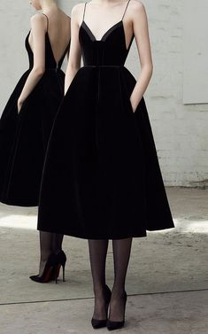 Alex Perry Pre-Fall 2018 #fashion #black #dress