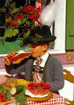 Boy drinking beer in Munich Lederhosen boy German Costume, Fine Wine And Spirits, German Outfit, Austrian Recipes, Bavaria Germany, Munich, Traditional Outfits, Cute Kids, Cool Pictures