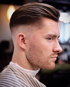 Slick back con Medium Fade y algo de textura en la parte superior, lo clásico traído a lo moderno. Separa tu cita por WhatsApp y recibe asesoría gratuita (3164964132) #slickback #AmigosHeritage #heritage_barbershop #fashion #hairstyle #cortedecaballero #moda