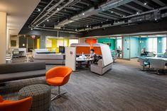 Krause Innovation Studio ist ein Zuhause für interdisziplinäres Denken über unsere gestaltete Welt und wie sie mit menschlicher Entscheidungsfreiheit und Leistung interagiert. Innovation Lab, Innovation Centre, Creativity And Innovation, Learning Spaces, Design Agency, Studio, Flooring, Labs, Creative