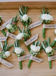 Green is in ! Love this simple beautiful ideas for our  wedding ceremony