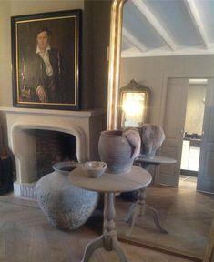 """Inge van Amerongen on Instagram: """"Sober en…"""" Sober, Van, Mirror, Furniture, Instagram, Home Decor, Decoration Home, Room Decor, Mirrors"""