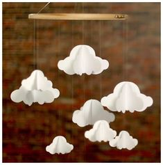 {DIY} Un mobile de nuages en papier facile à réaliser!