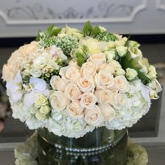 Send Flowers in Vases or Baskets to Los Angeles by JLF Flower Boutique Order Flowers, Send Flowers, Fresh Flowers, Most Popular Flowers, Flower Boutique, Centerpieces, Table Decorations, Thinking Outside The Box, Flower Vases
