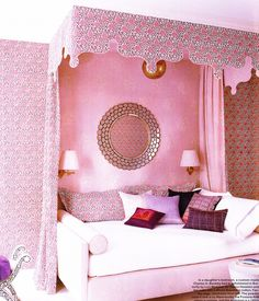 IN THE PINK ROOM | Z