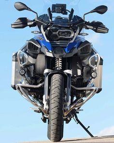 BMW ready to beast. Bmw R1200gs Adventure, Bmw Adventure Bike, Gs 1200 Adventure, Bike Bmw, Moto Bike, Motorcycle Garage, Motos Bmw, Bmw Motorbikes, Ducati