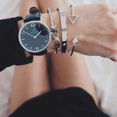 Time for breakfast in bed with beautiful armcandy @emmaleinswelt | kapten-son.com