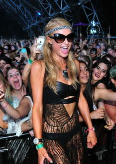 Los Angeles: Socialite Paris Hilton chose to slip into revealing outfit for Coachella Valley Music and Arts Festival here.Hilton was spotted in a leather Coachella 2014, Coachella Festival, Festival Outfits, Festival Fashion, Festival Style, Leather Bra, Leather Trousers, Female Movie Stars, Famous Models