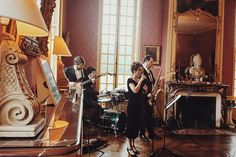Wedding day💋 #wedding#chateau#chateaudebourron#mariage#bands#jazz#break#listening#pause#livingroom