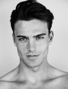 30 Insanely Hot Guys With Freckles Who Will Make You Melt (Photos) Pretty Men, Beautiful Men, Hot Guys, Sexy Guys, Crooked Smile, Photo Portrait, Portrait Photography, Photography Tips, Freckles
