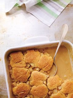 Ricardo Cuisine helps you find that perfect recipe for a smooth dessert. Learn how to make lemon pudding cake, pouding chomeur, and more. Apple Pudding Cake Recipe, Pudding Recipes, Cake Recipes, Snack Recipes, Dessert Recipes, Snacks, Dessert Ideas, Ricardo Recipe, Graham Crackers
