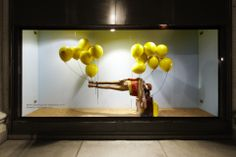 hm for selfridges。a visual for rice-crackers by Weight Watchers, pinned by Ton van der Veer Old Fashioned Bike, Mall Stores, Display Window, Displays, Retail Windows, Visual Display, Retail Interior, Fashion Stores, Window Design