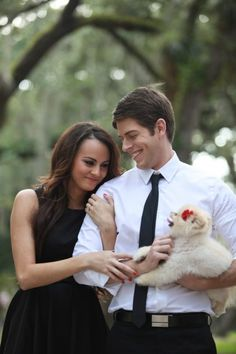 Engagement Photo with Puppy, shot by Elaine Palladino Photography