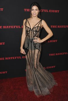 Pin for Later: Les 38 Robes les Plus Transparentes de L'année Jenna Dewan Tatum Portant une robe signée Marchesa à l'avant première de The Hateful Eight.