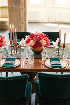 Geometric Table Runner with Metallic Accents and Lush Flowers Ashley Ludaescher Photography Rose Gold and Peony - Modern Metallic Wedding Shoot in Teal and Copper Wedding Shoot, Chic Wedding, Wedding Table, Loft Wedding, Trendy Wedding, Teal Table, Copper Wedding, Teal And Pink, Dark Teal