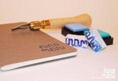Personaliza libretas, papeles, tarjetas con tu propio sello.